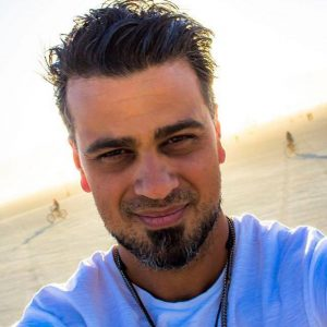 Arash Afshar, Justified Hype Founder looking at the camera
